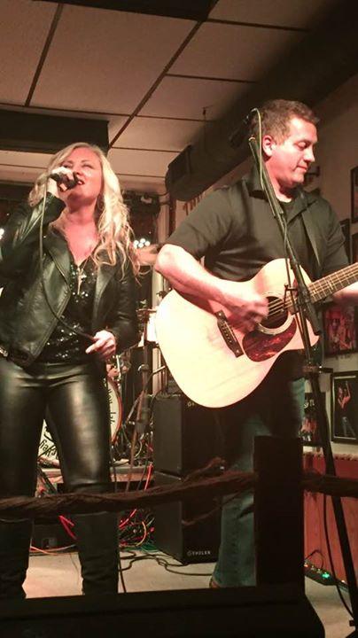 Laura McDonald & Robbie Bahr